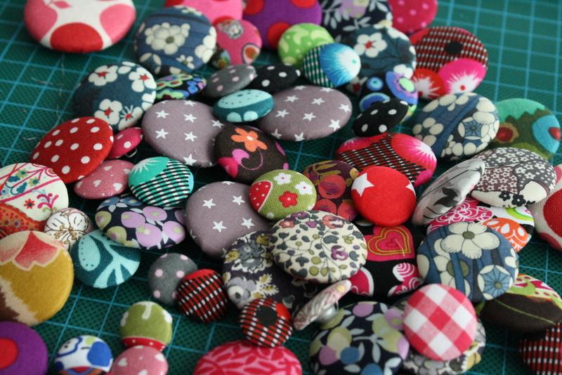 bijoux boutons en préparation