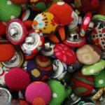 Des boutons pour de futurs bijoux