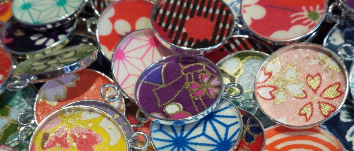 Médaillons colorés pour bijoux fantaisie