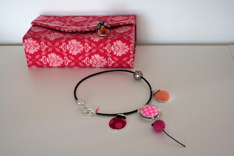 Bijoux colorés Lili et le scarabée rOZ