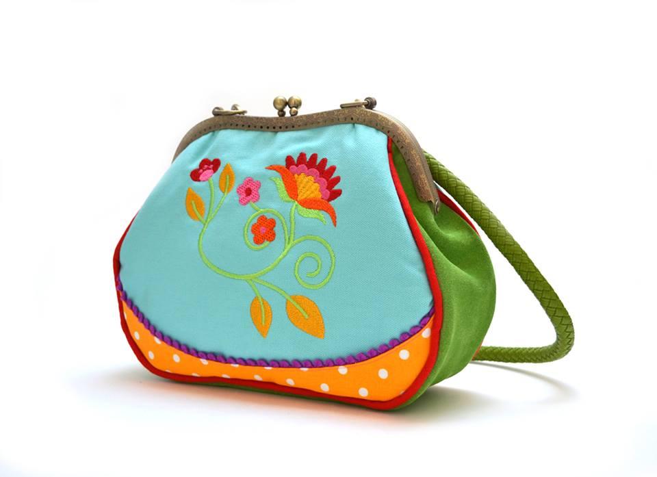 sac brodé coloré