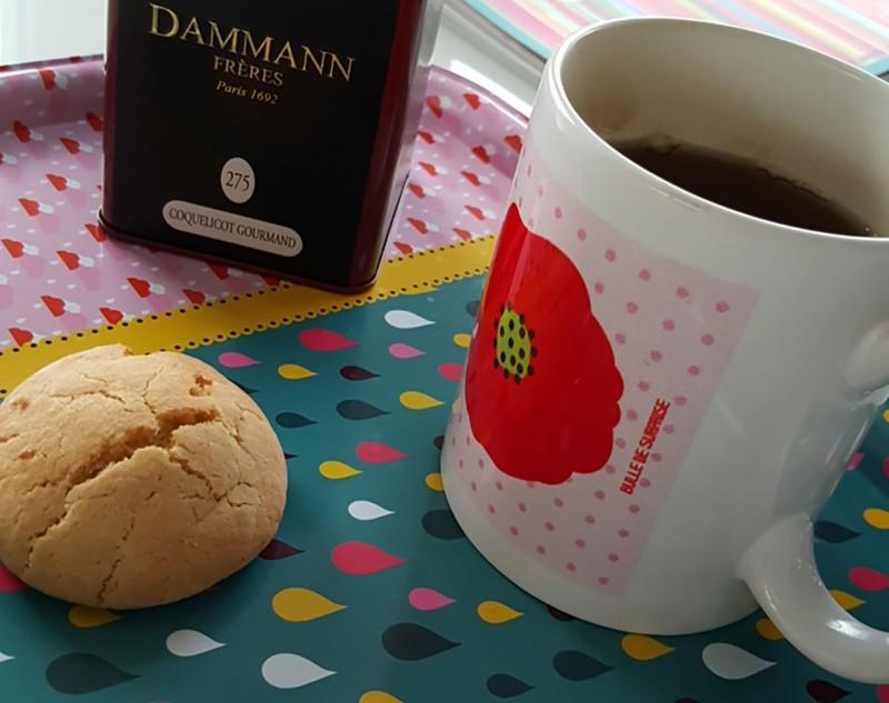 Tasse coquelicot par Bulle de surprise et thé coquelicot gourmand - Lili et le scarabée rOZ
