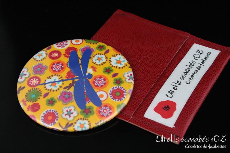 Miroir de poche et pochette cuir - sélection cadeaux à moins de 20 euros