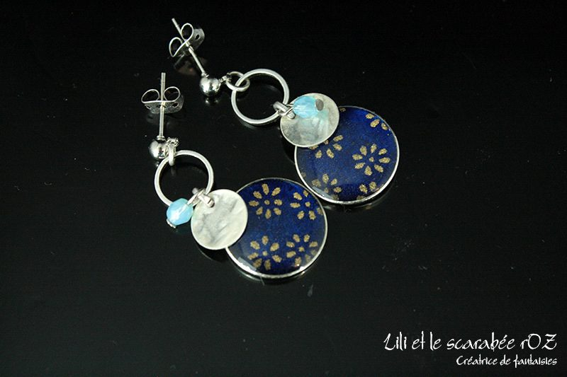 Boucles d'oreille bleues fines et délicates Lili et le scarabée rOZ